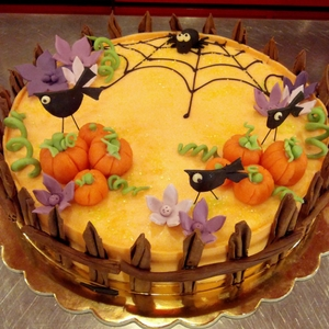 2.dolci-festa-di-Halloween-torta-recinto