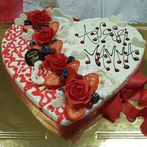 3.dolci-festa-del-mamma-torta-cuore