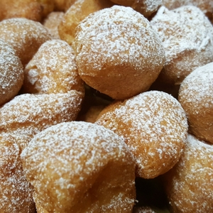 6.dolci-carnevale-frittelle-zabaione