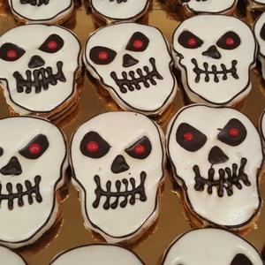 7.dolci-festa-di-Halloween-faccine-bianche